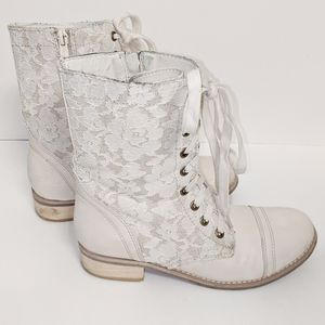 Wanted White Cream Lace Zip Up Combat Boots Sz 7